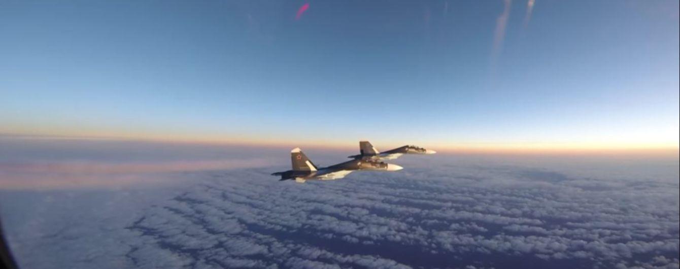Появилось видео, как американские самолеты перехватывают российские истребители над Балтикой