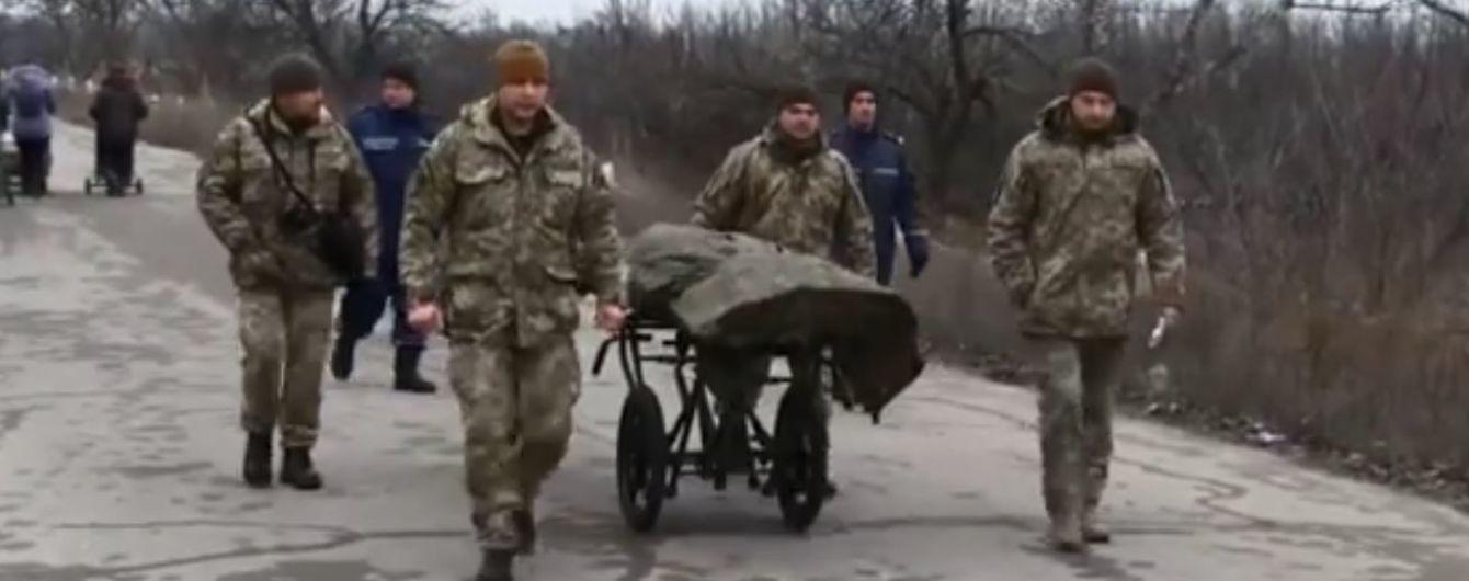 Українська сторона передала тіла загиблих бойовиків на окуповані території