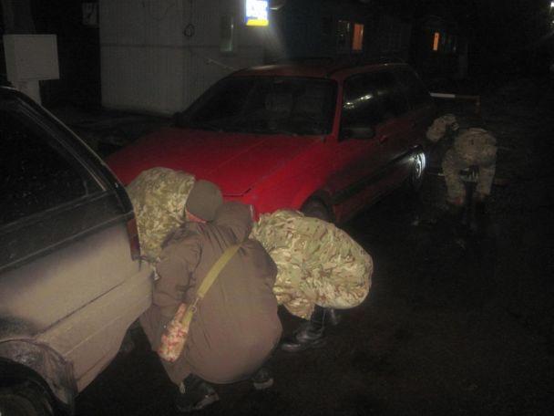 На кордоні з Росією службовий собака виявив авто з гранатами