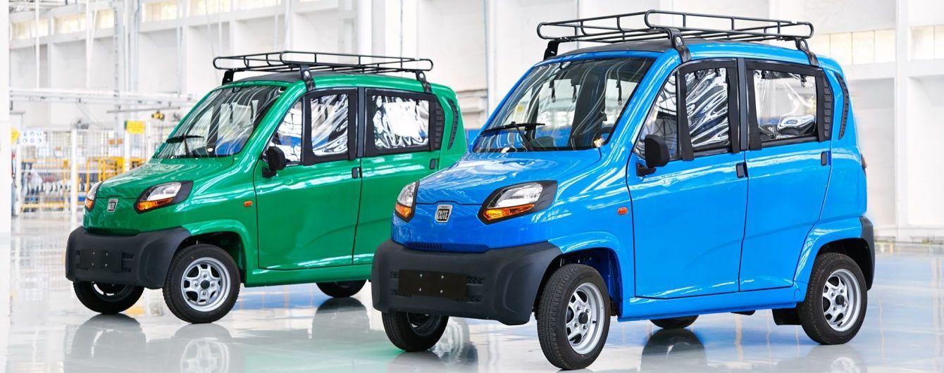 В Украину прибыла первая партия самого дешевого в мире автомобиля