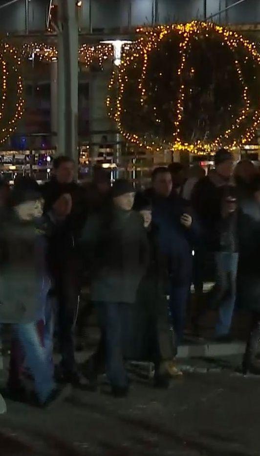 Ярмарок та святковий настрій: сотні українців зібрались у передвечір'я Різдва на Софійській площі