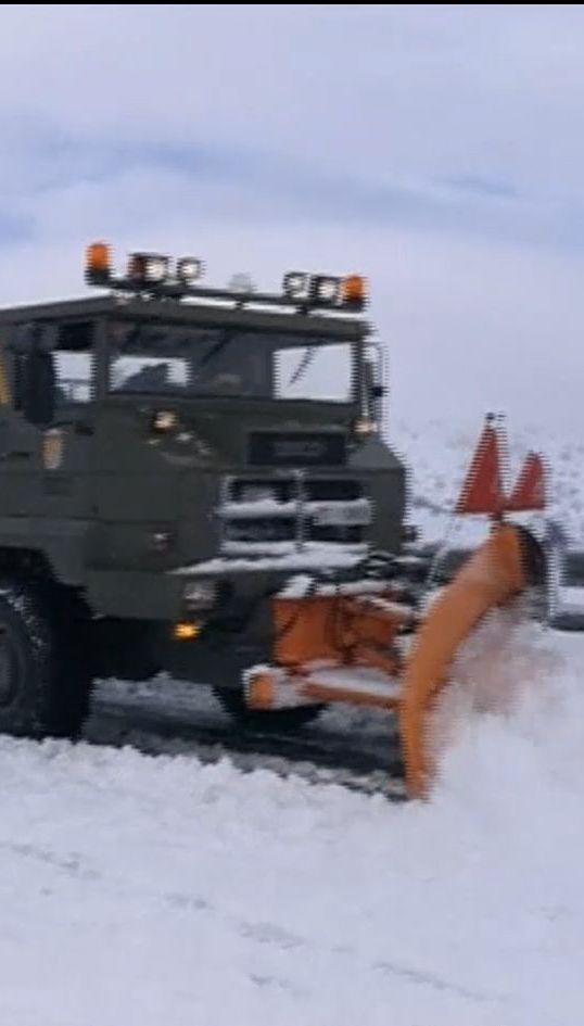 Снігова пастка: тисячі людей більше доби провели в авто, заблокованих на автострадах Іспанії