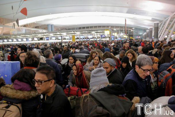 В Нью-Йорке аэропорт Кеннеди ограничил работы за прорыва водопровода