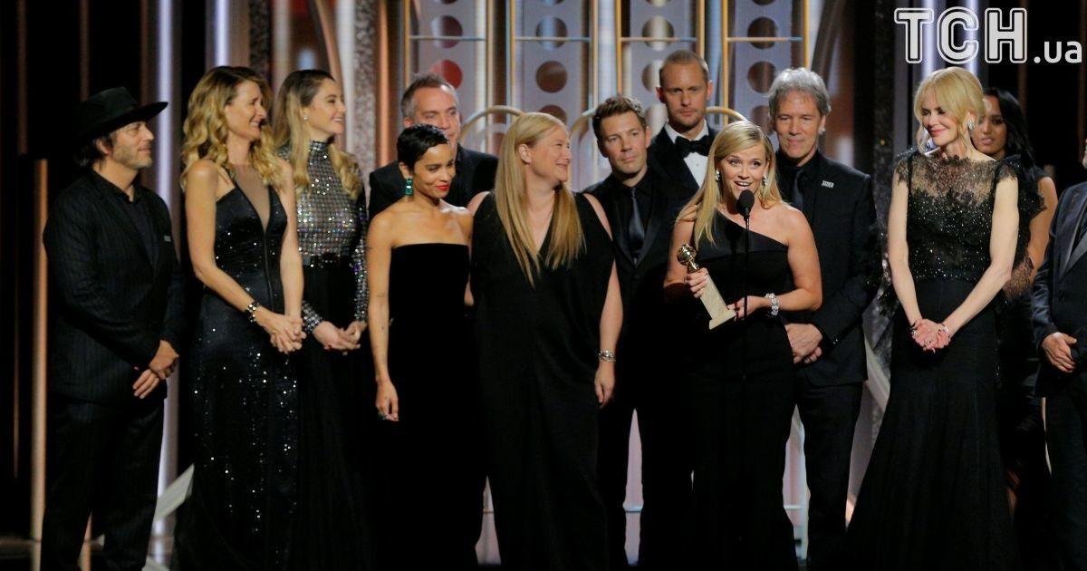 Від пишних суконь до смокінгів  кінозірки Голлівуду вийшли в чорному  кольорі на червону доріжку