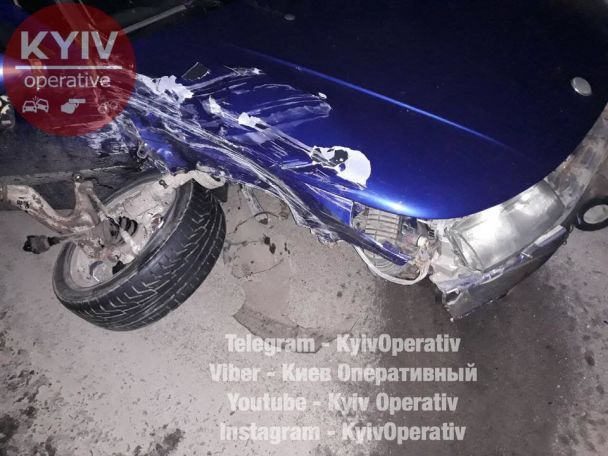 На Київщині унаслідок ДТП перекинулася маршрутка