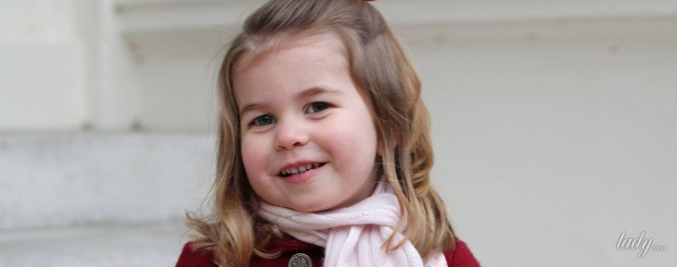 Герцогиня Кембриджская поделилась новыми снимками дочери принцессы Шарлотты