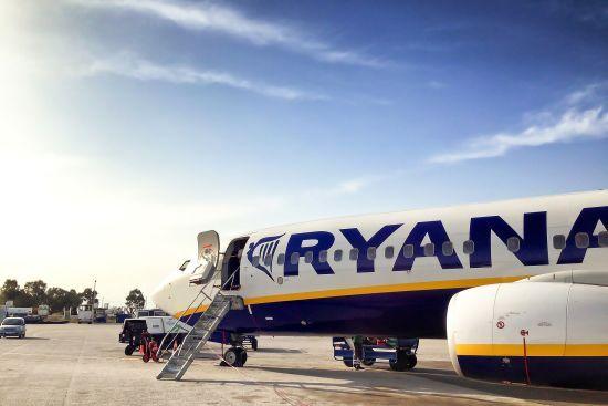 В Іспанії пасажирський літак здійснив аварійну посадку через п'яних дебоширів