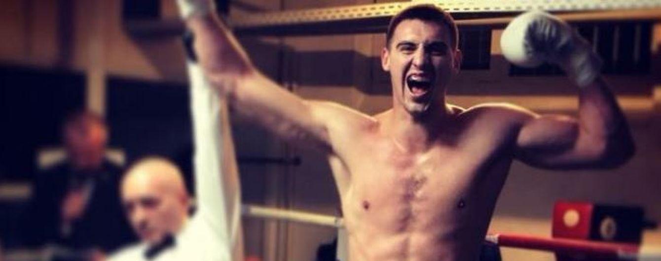 Непобедимый украинский боксер отправил в нокаут соперника уже в первом раунде