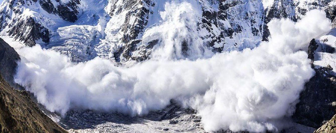 У Карпатах зійшли дві лавини. МВС попереджає про небезпеку