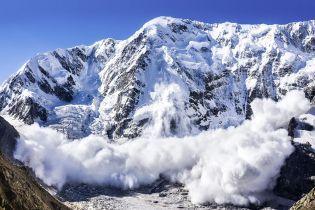 У Швейцарії внаслідок сходження лавини загинули п'ять лижників