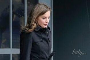 В стильном пальто и на шпильках: новый выход королевы Летиции