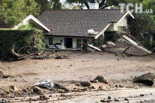В Калифорнии возросло количество жертв наводнений и оползней