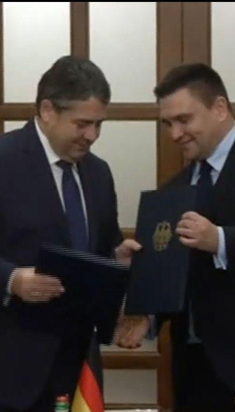 Министр иностранных дел Германии предложил постепенно снимать санкции из России