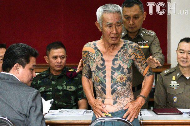 """В Таиланде схватили 74-летнего члена якудзы: его """"выдали"""" фотографии с яркой татуировкой в соцсети"""