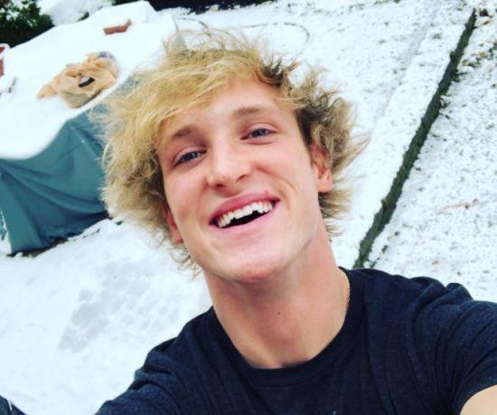 Відомий блогер стає вигнанцем через відео з тілом самогубці