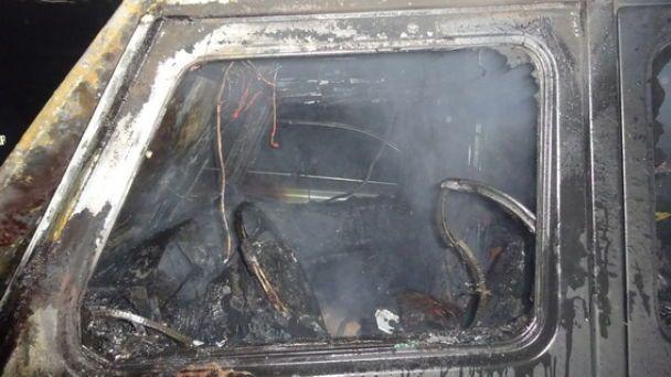 На підземному паркінгу у Києві згорів позашляховик, експерти підозрюють підпал