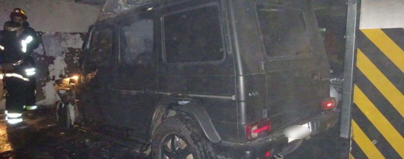 Спалений у Києві Gelandewagen належав лідеру активістів у справі Ноздровської