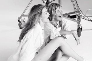 Во всем белом: Кейт Мосс и Джиджи Хадид в рекламной кампании известного бренда