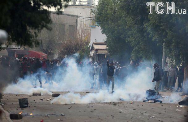 Тунис задействовал армию из-за массовых протесты против повышения цен и налогов