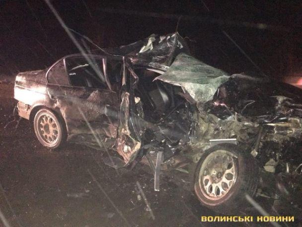 На Волині водій BMW влетів в рейсовий автобус: є загиблі