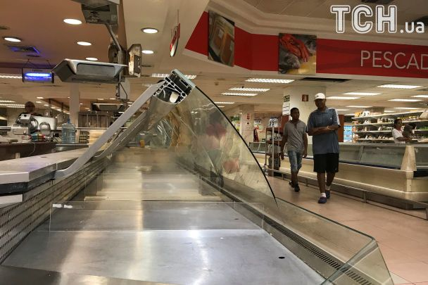 Справжнє зубожіння: Reuters показало пусті полиці супермаркетів у Венесуелі