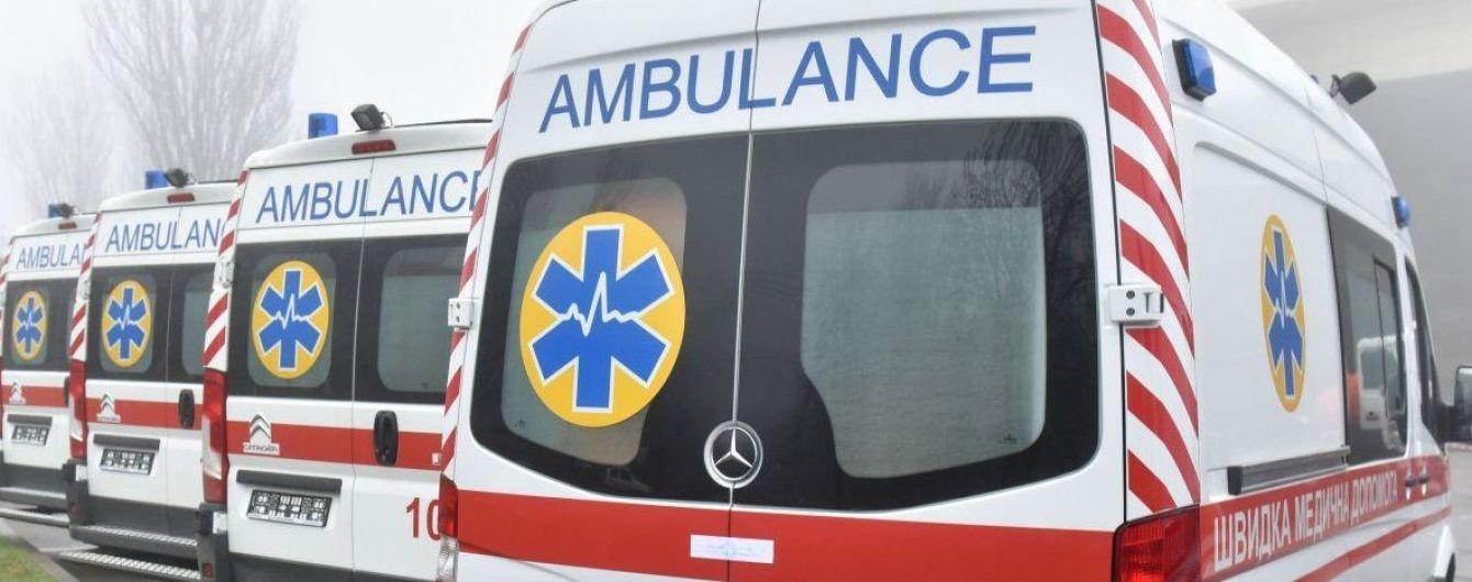 В Киеве с 15-го этажа гостиницы выпал мужчина
