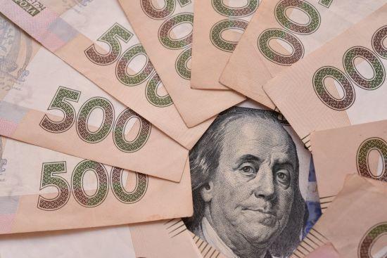 У столиці схопили групу зухвалих грабіжників, які обікрали киянина на майже 850 тисяч гривень