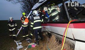 У Чехії сталася моторошна ДТП за участі автобуса: троє загиблих і майже півсотні поранених
