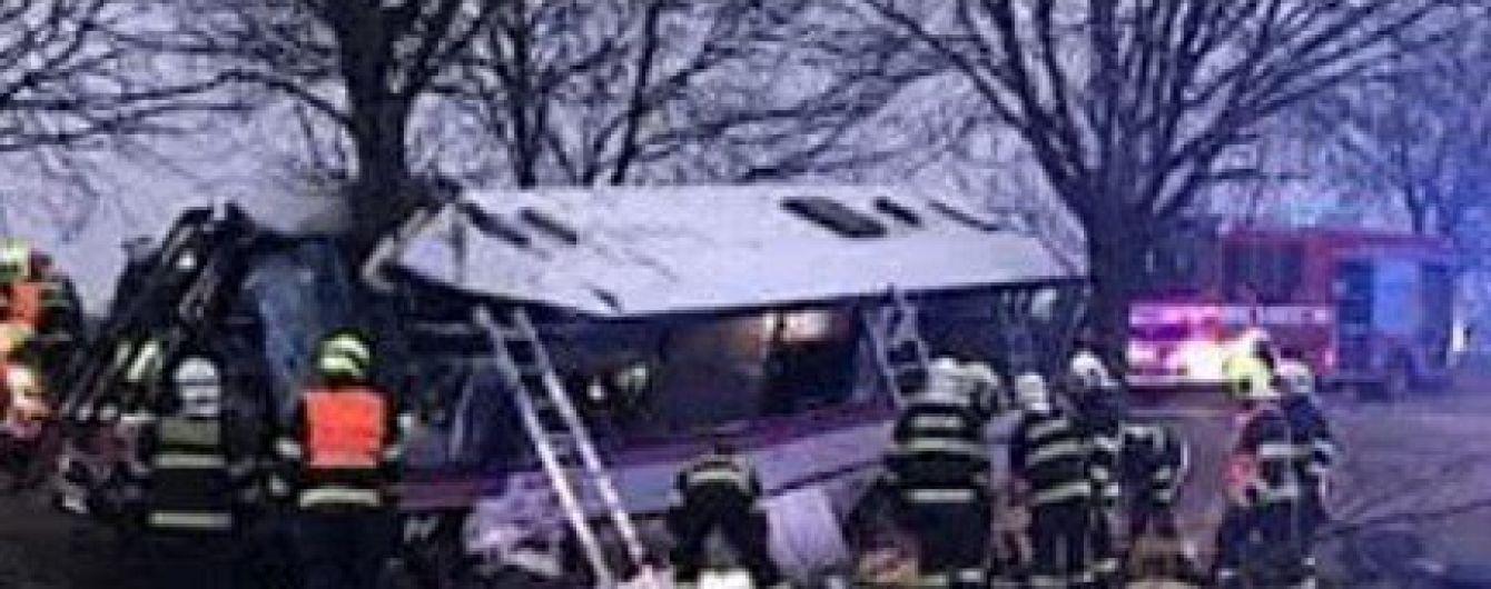 Возле Праги произошло масштабное ДТП: 3 погибших и около полусотни раненых. МИД выясняет, есть ли украинцы