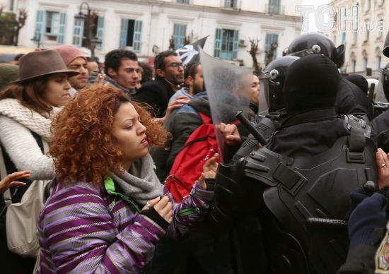 У Тунісі після масштабних протестів уряд вирішив взятися за реформи