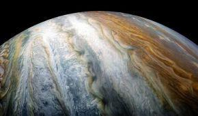NASA показало скупчення хмар на південному полюсі Юпітера