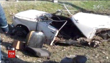 У Запорізькій області машина потрапила під потяг