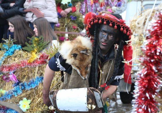 Божевільні костюми й чудернацькі персонажі. Красноїльськ традиційно видовищно відсвяткував Маланку