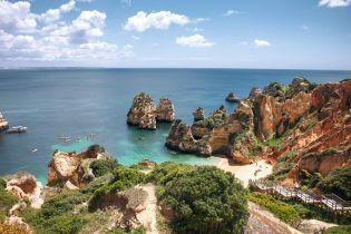 В некоторых регионах Италии туристов будут штрафовать за покупки товаров на пляже
