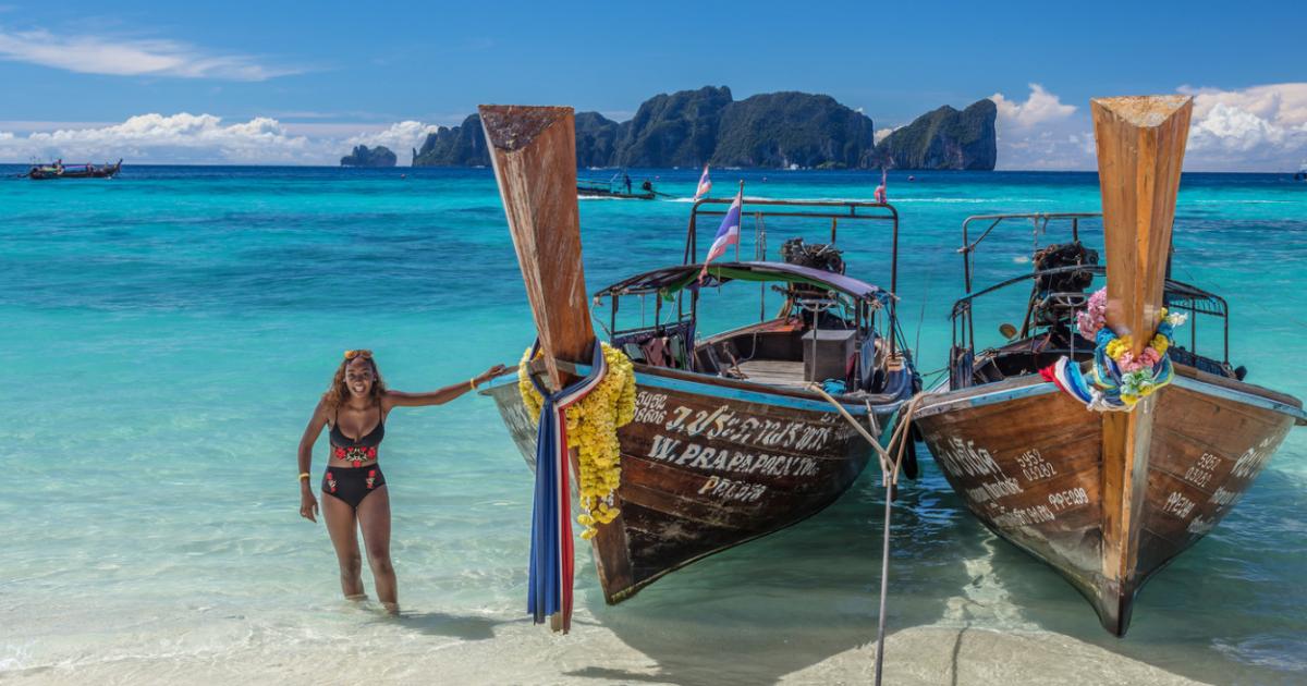 Из-за небрежности туристов в Таиланде закроют один из красивейших пляжей мира