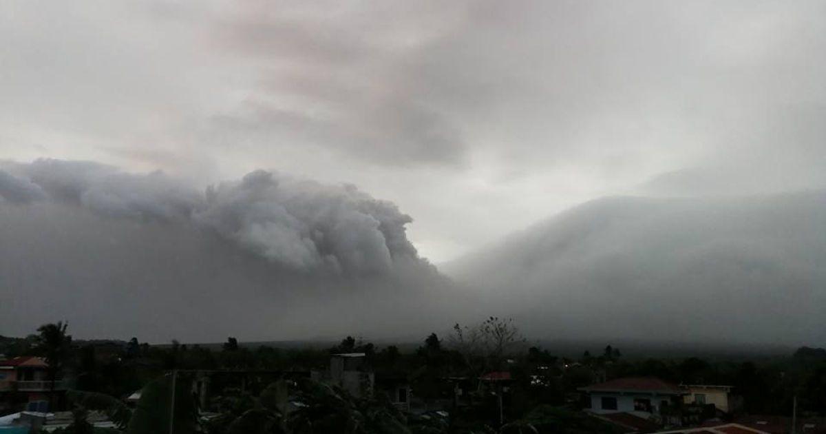 Один з найпопулярніших серед туристів вулканів може вибухнути будь-якої мит