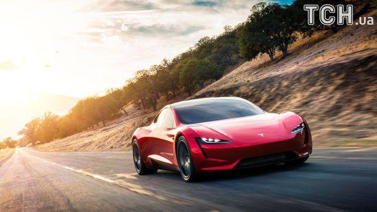 Унікальний український 3D-принтер буде друкувати деталі для автомобілів Tesla