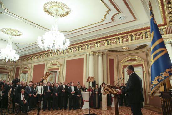 Росія тримається на агресії, брехні, маніпуляціях, репресіях та придушенні свободи слова - Порошенко