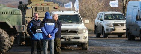 """Возле оккупированного Луганска боевики не позволили ОБСЕ проследить за """"гумконвоєм"""" из РФ"""