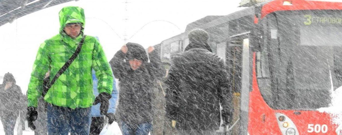 Зима повертається. Синоптики прогнозують хуртовини та посилення морозів