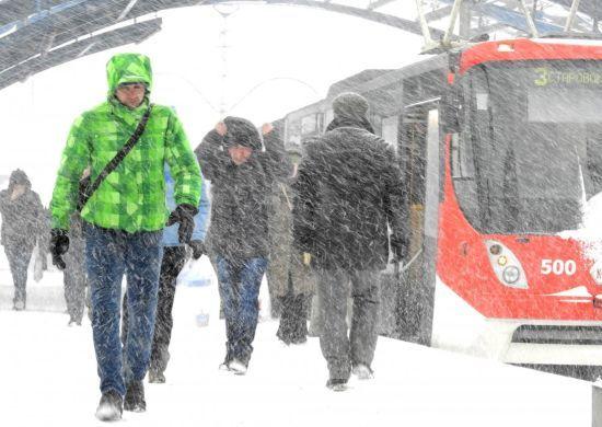 У Києві через снігопад ввели оперативне положення щодо руху громадського транспорту