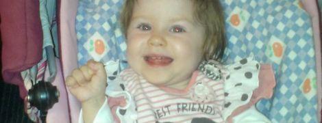 Помогите 2-летней Виктории попасть на реабилитацию и получить слуховые аппараты