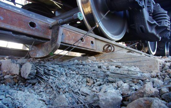 На Дніпропетровщині через крадіїв металобрухту затрималися в русі 9 потягів