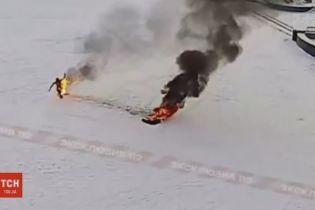 """Уволенный инженер из """"Газпрома"""" сжег себя перед мэрией в городе Башкирии"""