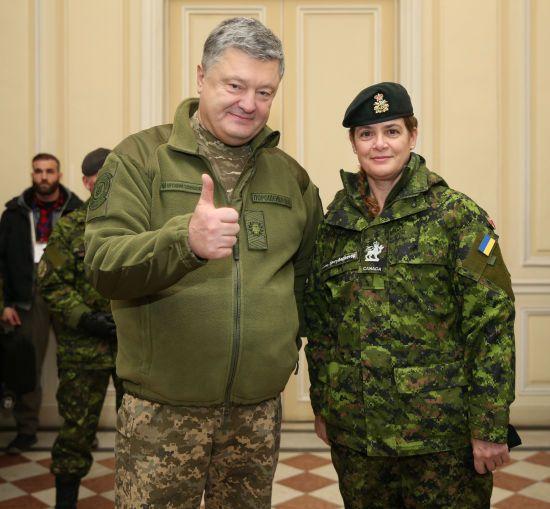 Генерал-губернатор Канади подарувала Порошенку зроблене нею фото Києва з космосу