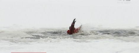 Как не упасть и чем отогреваться после проруби: спасатели, рыбаки и священники дали каждый свои советы