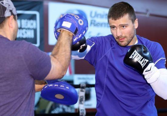 Непереможний українець Гвоздик битиметься за тимчасовий титул WBC на легендарній арені