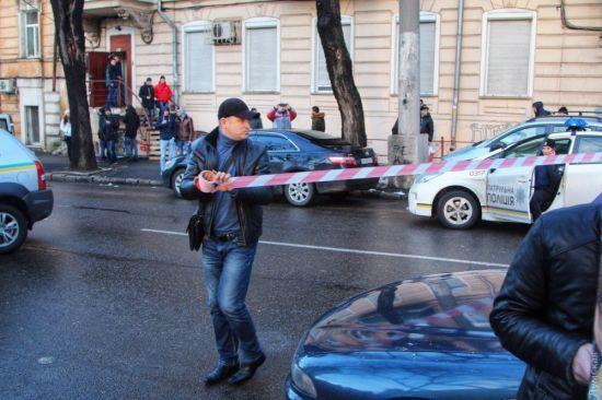 З'явилось відео стрілянини в Одесі, яка сталася під час затримання злочинця