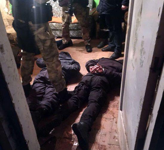 На Донеччині викрили банду, яка викрадала людей заради наживи
