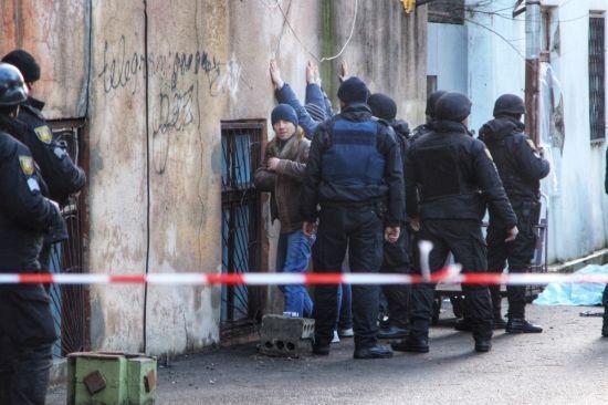 Під час стрілянини в Одесі вбито зловмисника та поранено трьох поліцейських